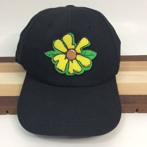Illinn Black Yellow Daisy Snapback Hat OS